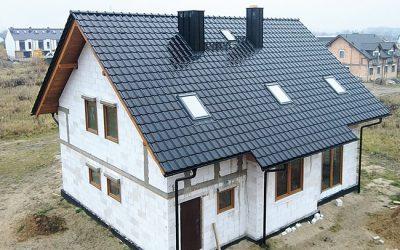 Dom marzeń z ponadczasową dachówką ceramiczną
